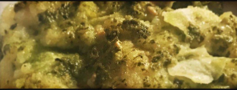 Lasagne di pane carasau con pesto di basilico, crema di patate e prescinsoa