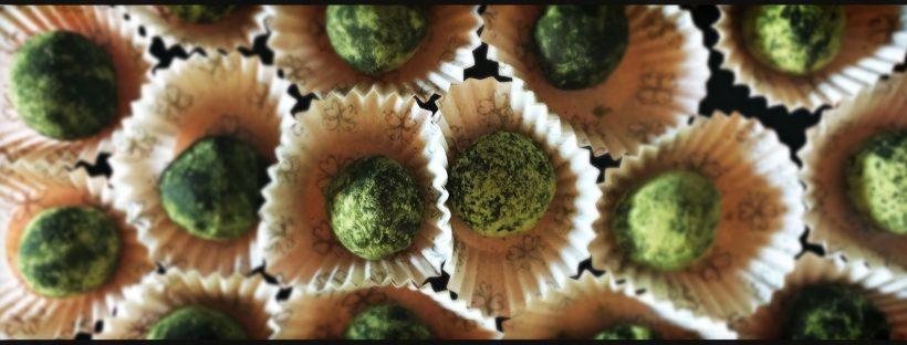 Cioccolatini con tè matcha, zenzero e fior di sale